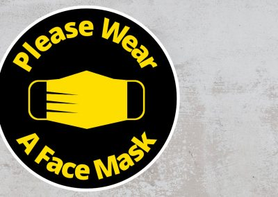 Please Wear A Face Mask – Rounded Sign – Black and Yellow Sticker
